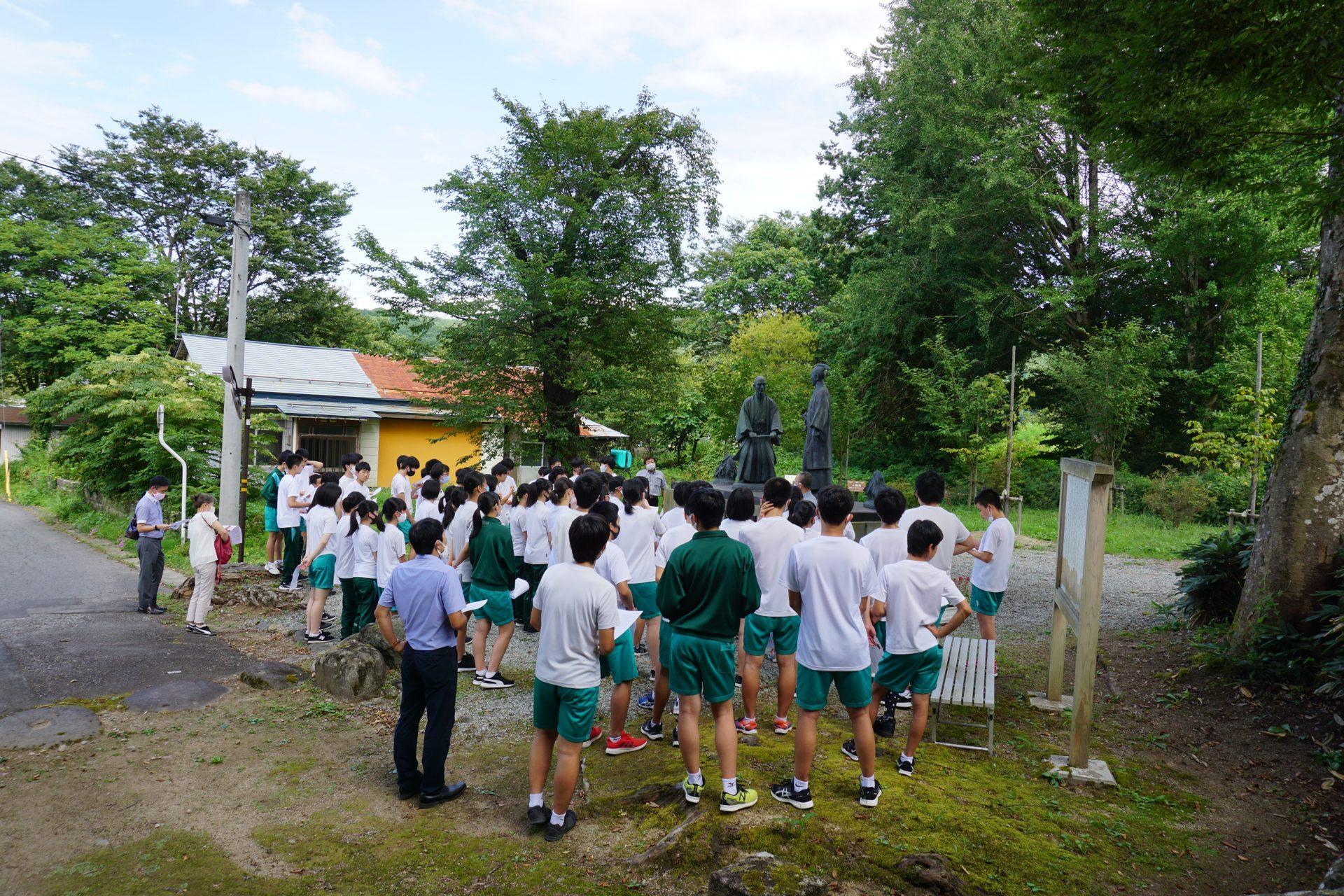 米沢五中生が普門院を見学